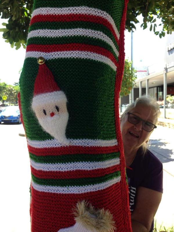 Christmas Yarn Bombing.Pittwater Online News